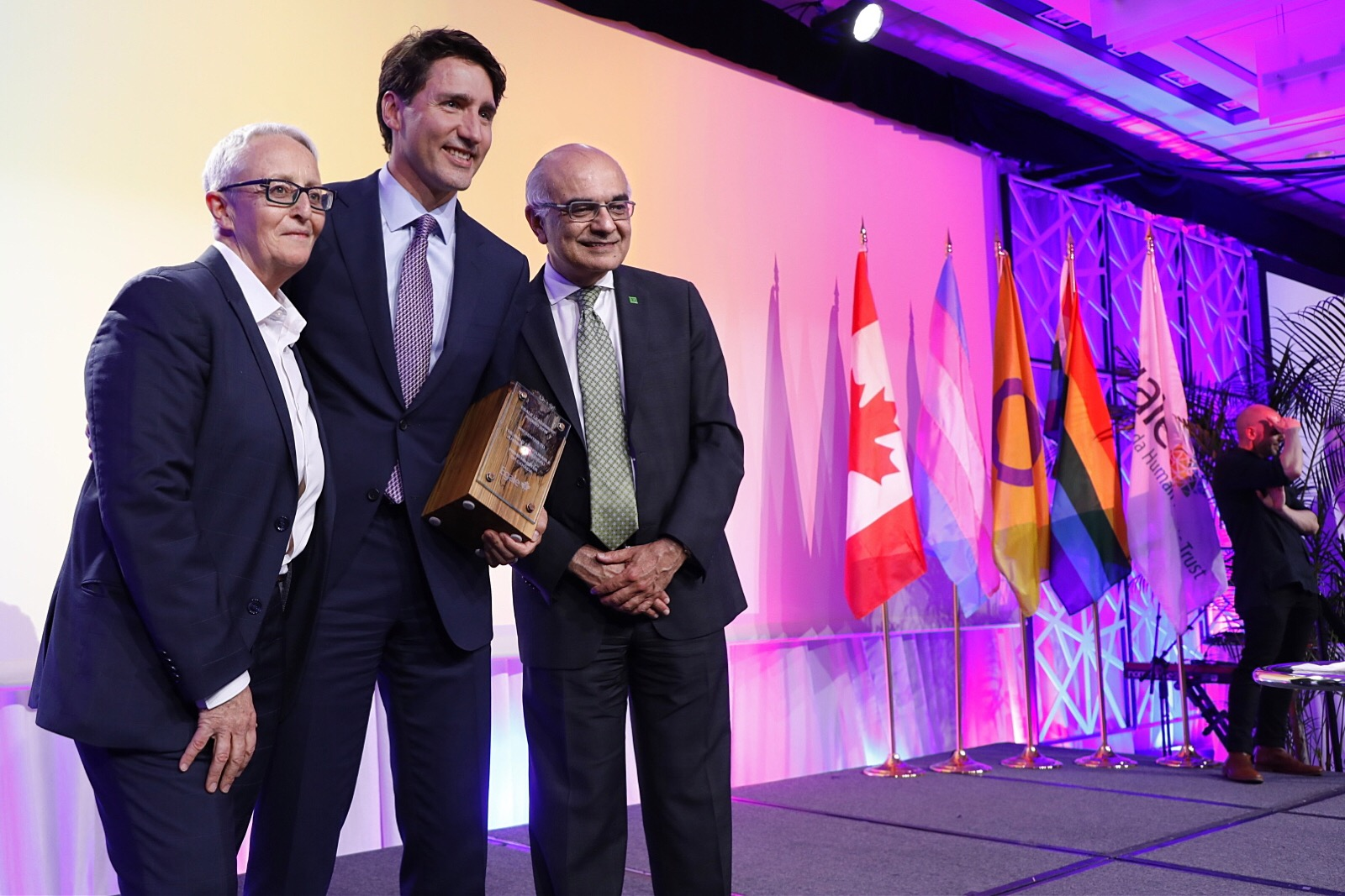 Justine Trudeau accepts Egale Leadership Award 2018